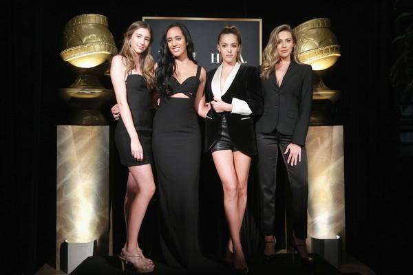 Simone posa ao lado das filhas de Sylvester Stallone, Scarlet, Sistine e Sophia (Foto: Getty Images)