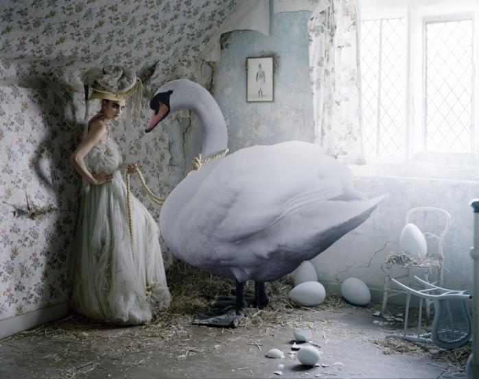 Carol Trentini, Vogue UK, 2010, por Tim Walker (Foto: Reprodução )