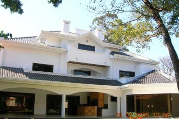 Fachada da casa de Roger Abdelmassih em Assunção, no Paraguai (Foto: Divulgação)