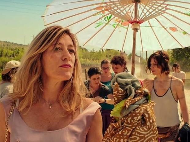 Valeria Bruna Tedeschi protagoniza o filme 'Loucas de alegria' (Foto: Divulgação)