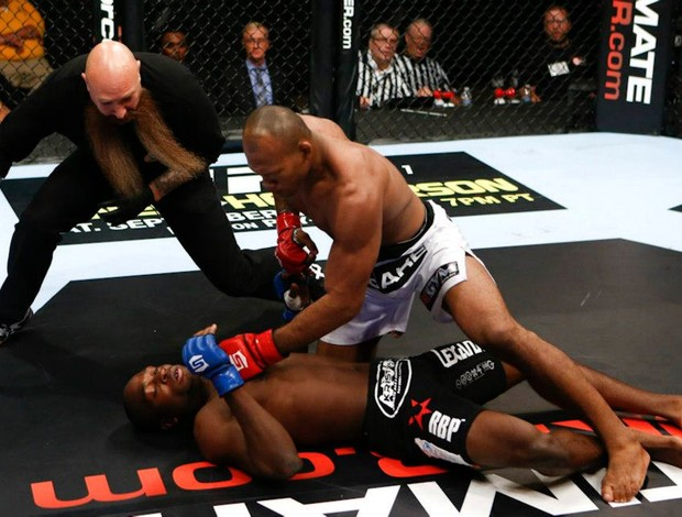 Ronaldo Jacaré x Derek Brunson Strikeforce (Foto: Divulgação/ Strikeforce)