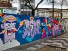Grafiteiros realizam trabalhos em três praças de Santos, no litoral de SP