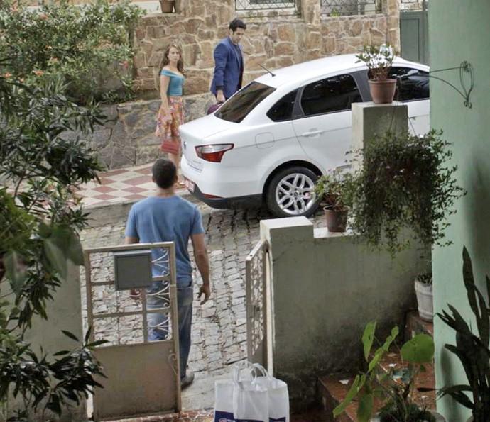 Climão! Como será que esse encontro vai terminar?! (Foto: TV Globo)