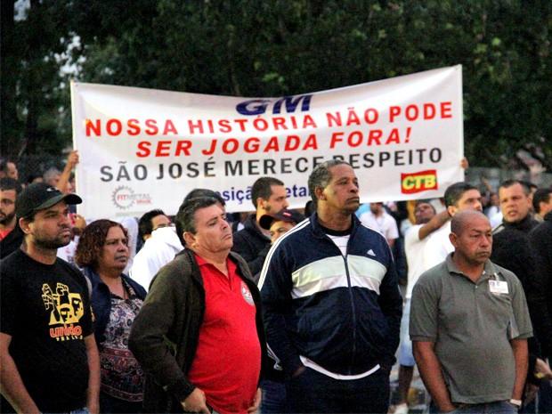 Trabalhadores da GM aprovam acordo firmado com sindicato (Foto: Carlos Santos/G1)