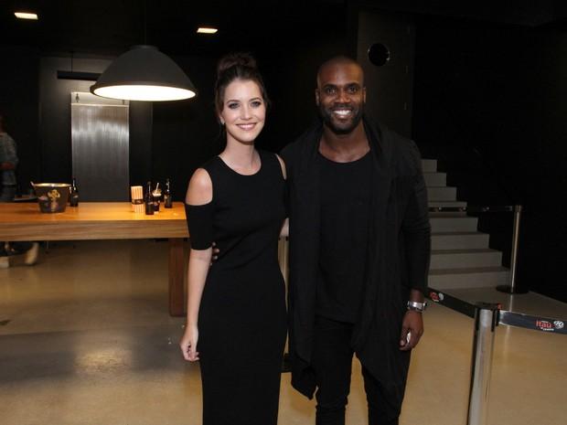 Nathalia Dill e Rafael Zulu em première de filme na Zona Sul do Rio (Foto: Thyago Andrade/ Brazil News)