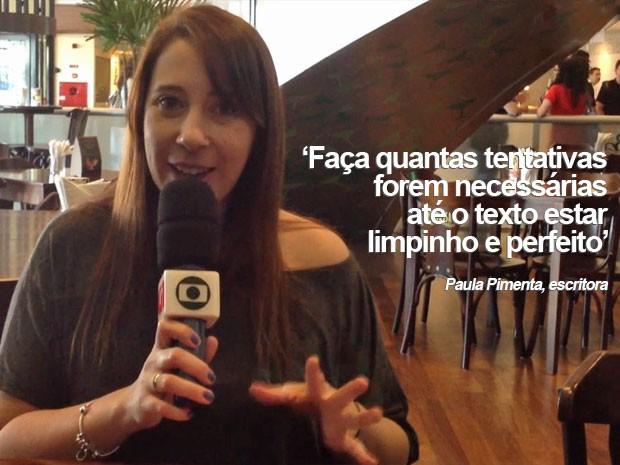 A escritora Paula Pimenta sugere organizar as ideias antes de escrever o texto (Foto: Vanessa Fajardo/G1)