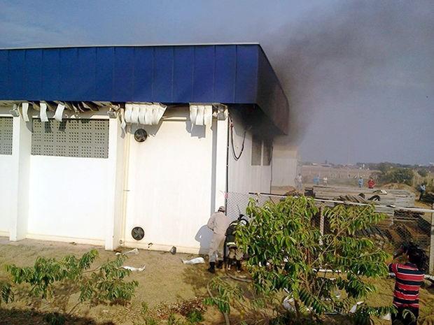 Incêndio atingiu laboratório da UFMT em Sinop. (Foto: Pedro Ribas/Arquivo pessoal)