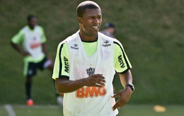 Carlos César volta aos treinos na Cidade do Galo (Foto: Bruno Cantini  / Site Oficial do Atlético-MG)
