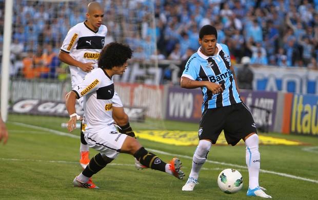 Leandro, do Grêmio, contra o Botafogo (Foto: Lucas Uebel/Divulgação, Grêmio)