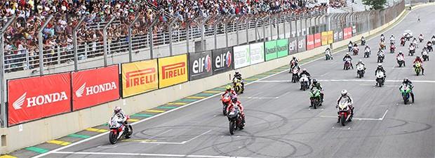 Grid da SuperBike Brasil em Interlagos (Foto: Divulgação/APM)