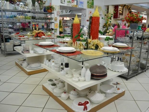 O Procon orienta os consumidores que façam um acordo por escrito com os comerciantes, garantindo as trocas dos produtos. (Foto: Magda Oliveira/G1)