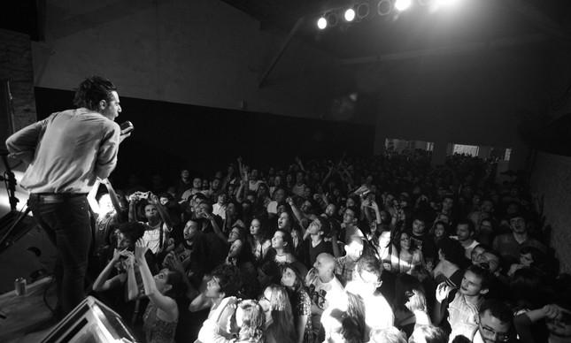 Thiago Pethit fez o show de maior destaque do festival