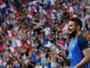 Giroud finaliza jogada da França com sem-pulo e leva pintura internacional