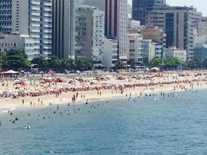 Praia do Leblon no sábado (4) (Foto: Alba Valéria Mendonça/G1)