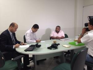 Petronilo Lopes, o Pelezinho, concede entrevista coletiva (Foto: Nathacha Albuquerque)