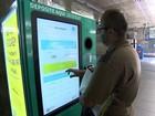 Máquina troca embalagens vazias por créditos ou descontos ao consumidor