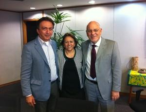 Presidente Rubens Guilherme ABC-RN deputada federal Fátima Bezerra e presidente da Caixa Jorge Hereda (Foto: Divulgação/Site Oficial)