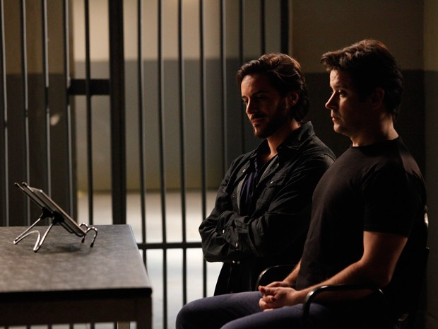 Herval faz questão de assistir ao programa ao lado de Jonas para humilhá-lo ainda mais (Foto: Raphael Dias/TV Globo)