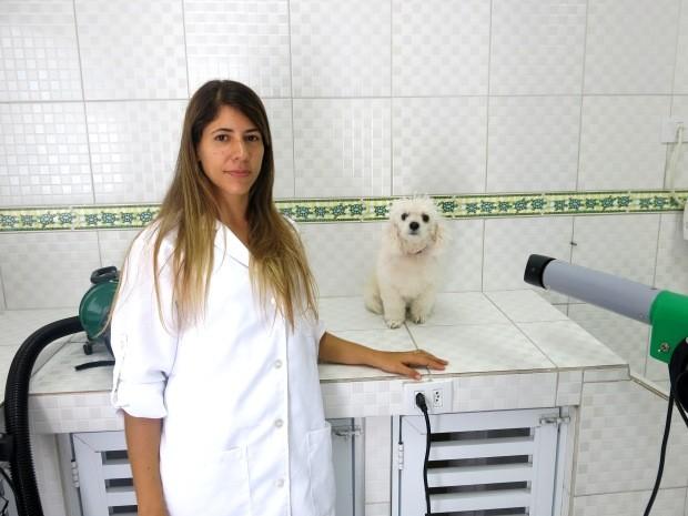 Veterinária foi obrigada a suspender atendimentos por dez dias (Foto: Orion Pires / G1)