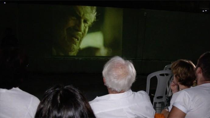 Coronel Jacinto em cena e olhos atentos em Velho Chico. (Foto: Se Liga VM)