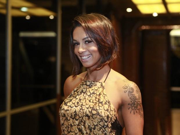 Milena Nogueira em espetáculo no Rio (Foto: Isac Luz/ EGO)