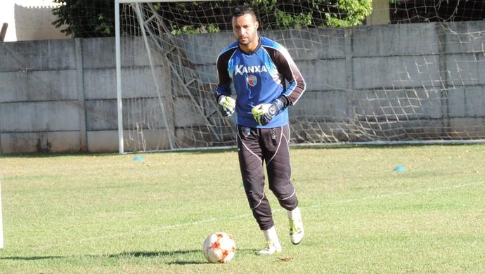 Camilo, goleiro do Grêmio Prudente (Foto: Murilo Rincon / GloboEsporte.com)