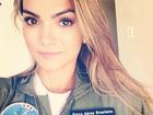 Kelly Key posa com uniforme da força aérea