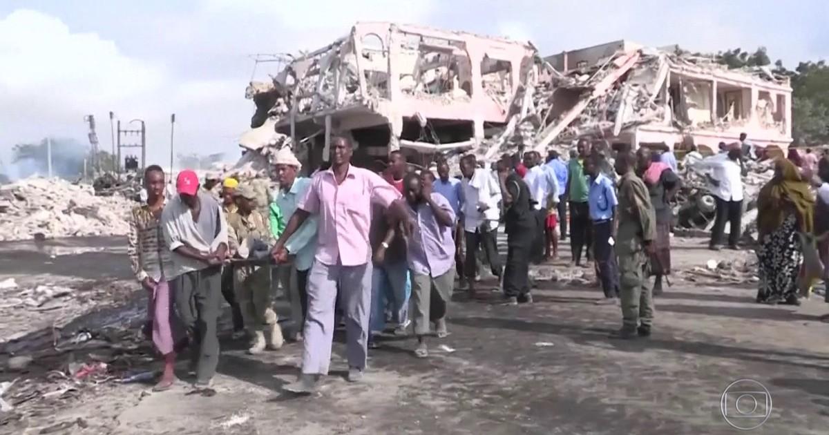 Resultado de imagem para Passa de 300 o número de mortos no pior ataque terrorista da Somália.