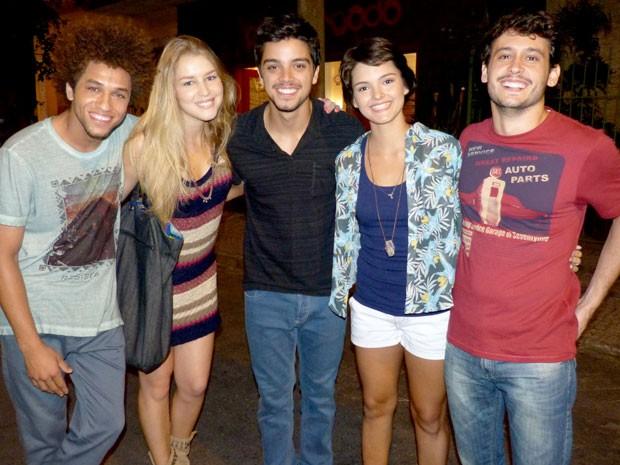 As duas se entrosam rapidamente com o restante do elenco! (Foto: Malhação / Tv Globo)