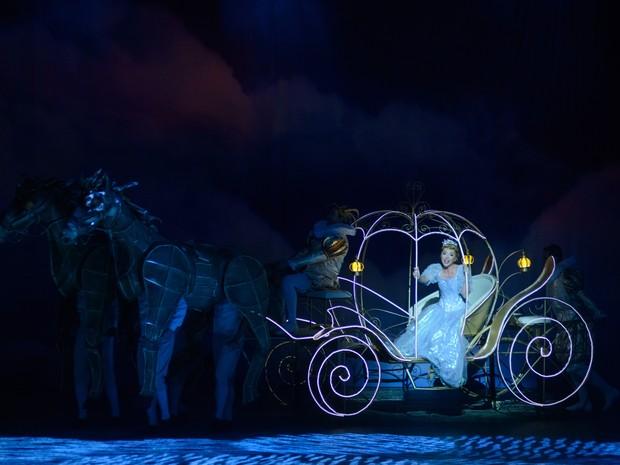 Bianca Tadini interpreta Cinderella na superprodução assinada por Claudio Botelho e Charles Moeller (Foto: Marcos Mesquita/ Divulgação)