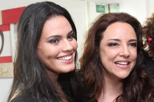 Leticia Lima e Ana Carolina em um show da cantora em 2014 (Foto: Agnews)