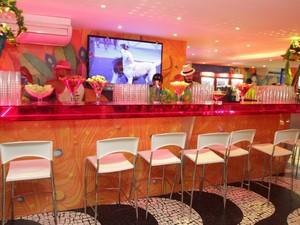 Bar dentro do Camarote Guanabara (Foto: Udo Kurt/Divulgação)
