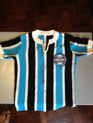 Camisa do título estadual de 1977, quando o Grêmio acabou com uma hegemonia do Inter (Foto: arquivo pessoal)