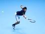 De virada, Djokovic vence na estreia no ATP Finals e se irrita com repórter