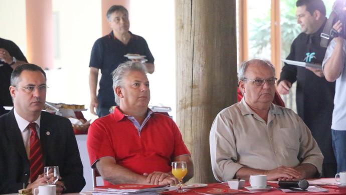 Sandro Farias Pedro Affatato Vitorio Piffero Inter (Foto: Tomás Hammes / GloboEsporte.com)