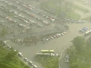Polícia Militar reforçava a segurança na região (Foto: Reprodução/ TV Globo)