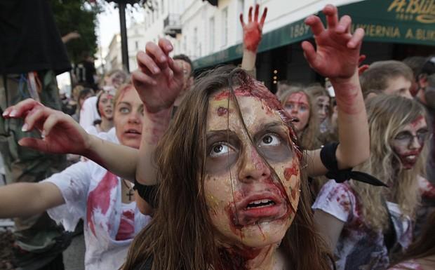 'Zumbis' invadem as ruas da Polônia em homenagem a Michael Jackson Zumbispolonia4
