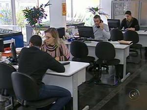 O cargo de corretor de imóveis tem o mais número de vagas em Valinhos (Foto: Reprodução / TV Tem)