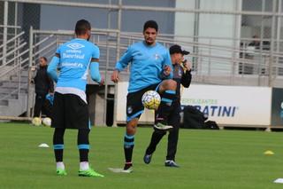 Wallace, zagueiro, Grêmio, treino (Foto: Eduardo Moura / GloboEsporte.com)
