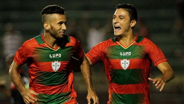 LEandro portuguesa gol linense (Foto: Moisés Nascimento / Agência Estado)