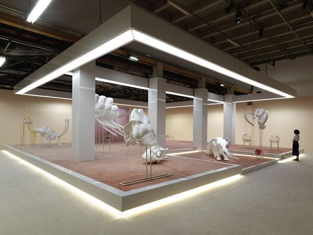 Marguerite Humeau expõe esculturas que misturam ciência e imaginação em Paris (Foto: Divulgação)