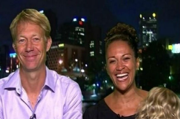 Scott e Aminah em programa de TV (Foto: Reprodução/youtube)