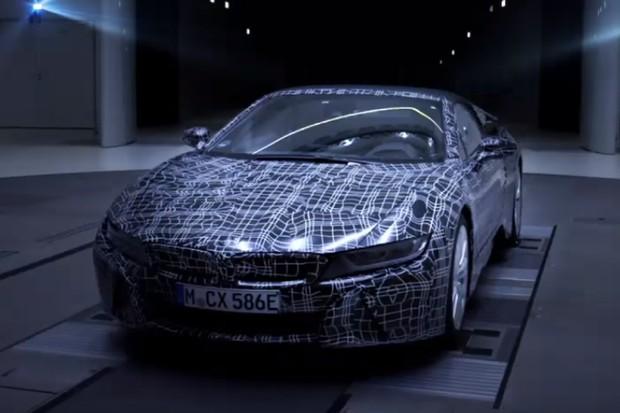 BMW i8 Roadster (Foto: Reprodução / YouTube)
