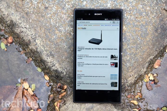 Smarts mais antigos da Sony, como o Xperia Z Ultra, vão receber o Android 5.0 (Foto: Luciana Maline/TechTudo)