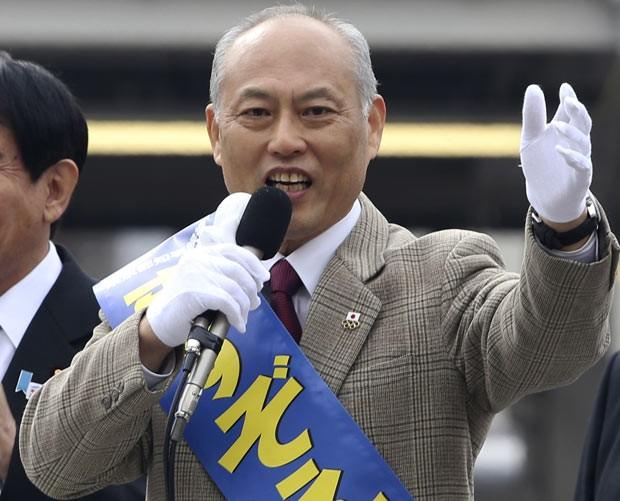 Yoichi Masuzoe faz campanha em 25 de janeiro em Tóquio (Foto: AP)