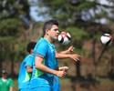 Diego Renan ganha oportunidade com Mancini em momento de pressão