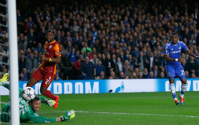 Eto'o Chelsea x Galatasaray (Foto: Reuters)
