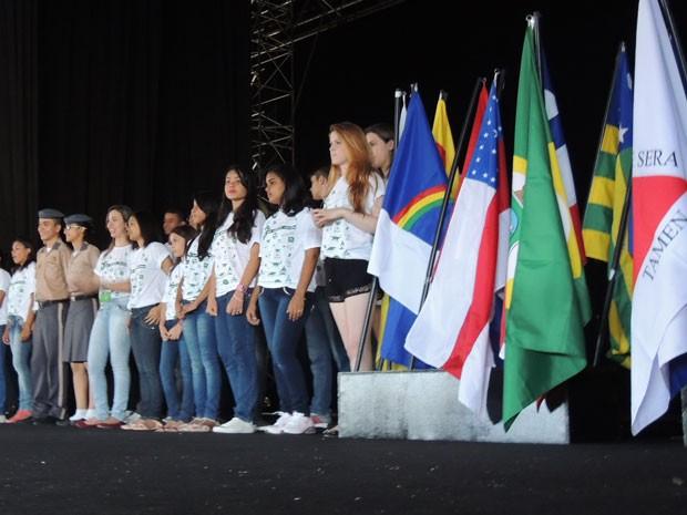 Abertura da feira Ciência Jovem aconteceu nesta quarta-feira (Foto: Vitor Tavares / G1)