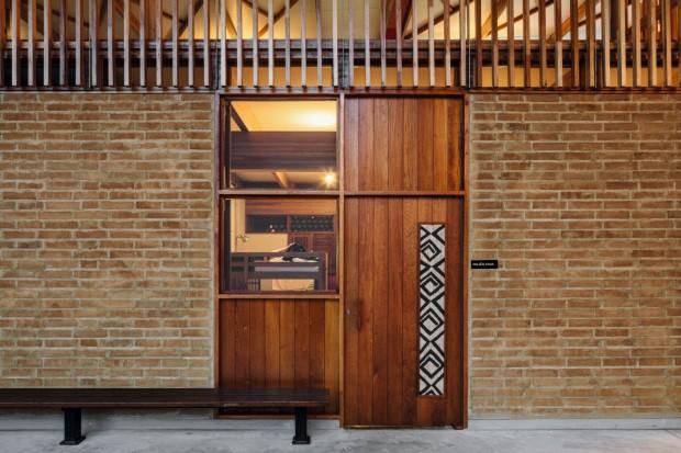 Marcelo Rosenbaum projeta escola no Tocantins com ajuda de aluno (Foto: Leonardo Finotti)