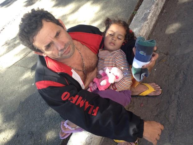 Francisco Barbosa de Melo e a filha Anelise  (Foto: Kleber Tomaz/ G1 )